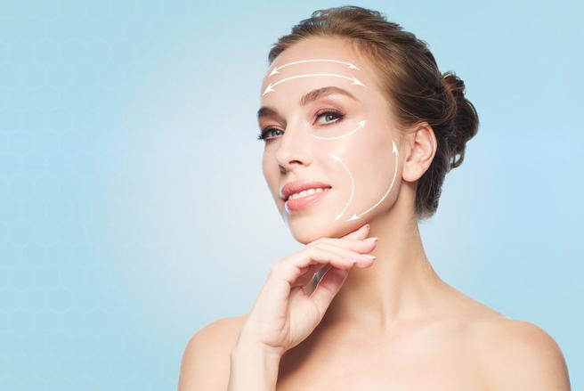 Il existe des interventions, comme les ultrasons ou les injections,  qui permettent de rajeunir la peau.