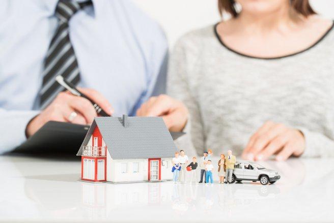 Pour la deuxième année consécutive, les assurances habitation et auto augmentent. ©Shutterstock