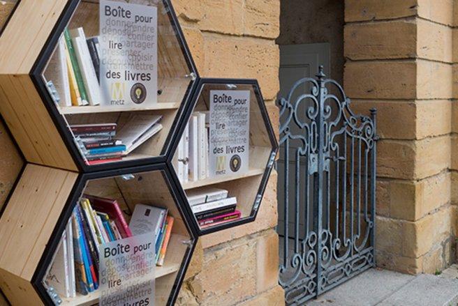Le dépôt du livre a été considéré comme un dépôt d'ordures. (c) Shutterstock