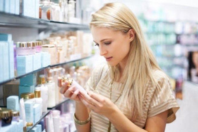 Pourquoi existe-t-il une telle différence entre les prix des cosmétiques ? © Yuri Arcurs - Fotolia.com