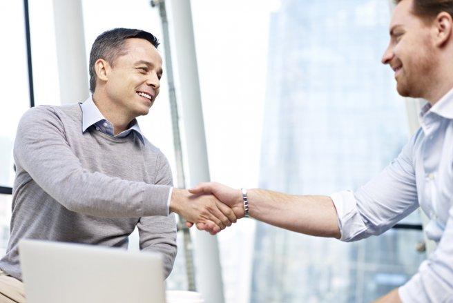 Près de 60 % des Français assurent « prendre du plaisir » en travaillant. © Shutterstock