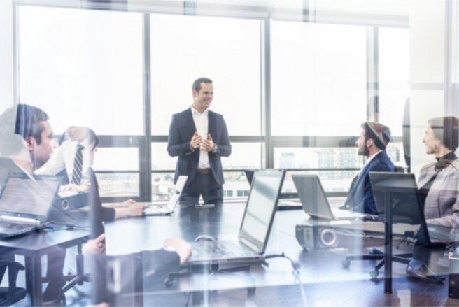 L'État veut permettre aux patrons de PME de mieux intéresser leurs salariés aux bénéfices de leur entreprise. © Shutterstock