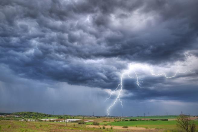 Une alerte orange pour un phénomène orageux a été émise pour six départements. © Shutterstock