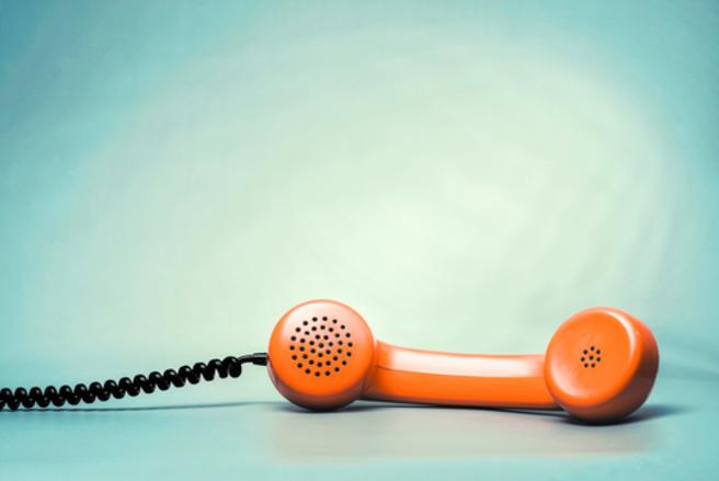 Au téléphone, veillez à ne pas divulguer vos données personnelles, vous pourriez avoir affaire à quelqu'un de mal intentionné. © Shutterstock