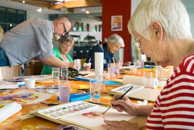 Les seniors français sont 4,3 millions à travailler. © Shutterstock