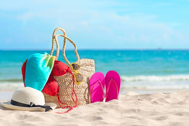 Les indispensables pour la plage pour des vacances au top.