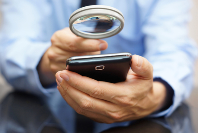 De nombreux sites de vente de particulier à particulier proposent des téléphones d'occasion. © Shutterstock
