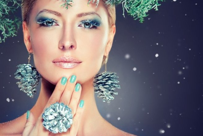 Favori Maquillage de Noël : comment se maquiller pour les fêtes ? FU26