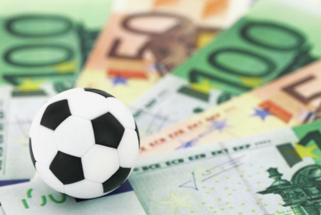 Un parieur a misé 20 centimes sur un combiné de treize matches de foot et a remporté plus de 130.000 euros. © Shutterstock