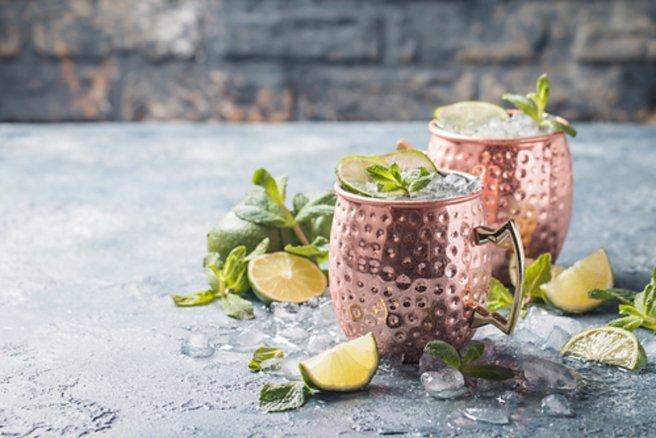 Il vaut mieux éviter de boire un Moscow Mule dans un gobelet un cuivre. © Shutterstock