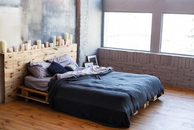 se meubler pas cher o trouver des palettes de bois. Black Bedroom Furniture Sets. Home Design Ideas