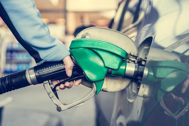 Le litre degazole, carburant le plus vendu en France, valait en moyenne 1,4387 €, en hausse hebdomadaire de 1,47 centime. © Shutterstock