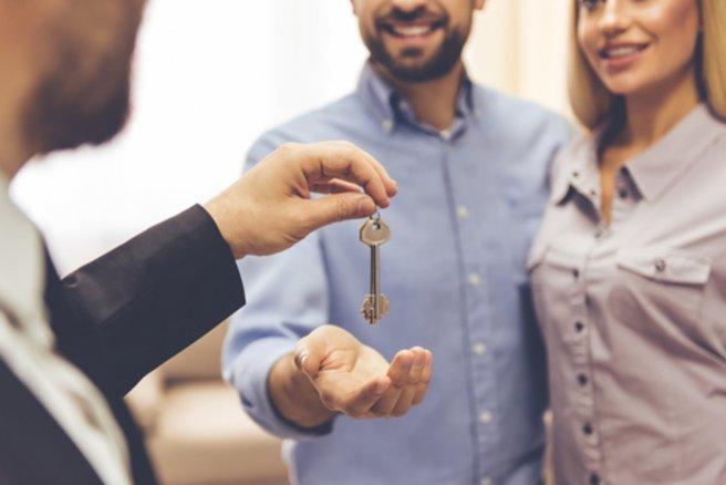 La vente au cadran d'un bien immobilier permet d'inverser les enchères. © Shutterstock