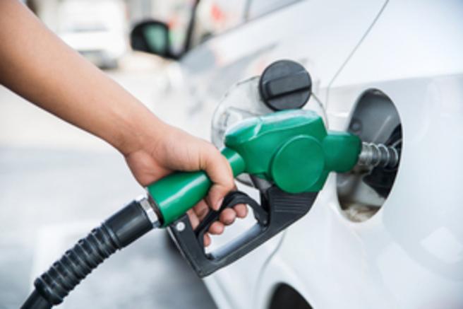 Le carburant vendu par Refuel coûte le même prix que celui distribué en station-service. © Shutterstock