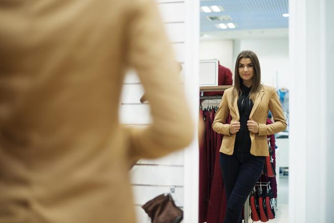 Un vêtement bien taillé est un moyen très simple de redessiner sa silhouette.