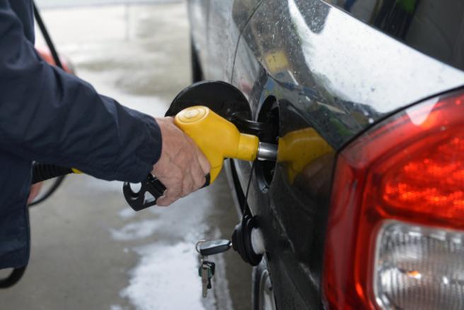 Le prix du super sans plomb 95 (SP95) a également reculé à 1,4036 euro le litre. © Shutterstock