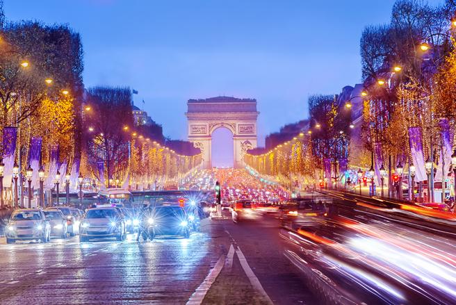 Les Champs-Elysées deviennent une marque. © Shutterstock