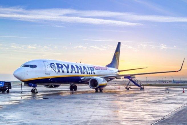 Connu Ryanair : une arnaque vous promet de faux billets d'avion gratuits YW88