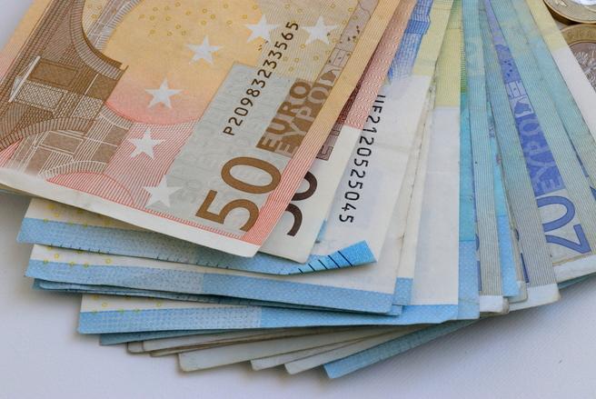 627 euros d'acompte, en moyenne, seront versés aux bénéficiaires de crédits d'impôts à partir du 15 janvier 2019. © Shutterstock