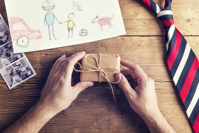 Trouver le cadeau idéal pour un papa n'est pas évident une fois adulte.