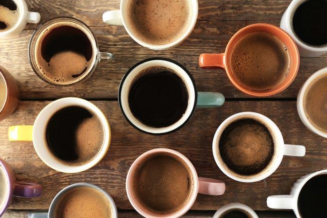 Il est possible de remplacer le café par une autre boisson. Il suffit simplement de trouver celle qui s'adaptera à vos besoins.