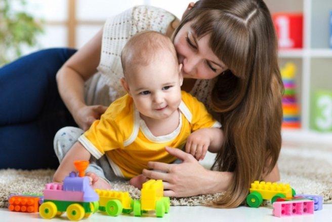 L'échange de gardes d'enfant permet l'épanouissement des petits et des grands. © Shutterstock