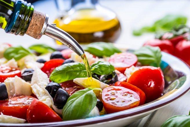 Les huiles d'olive françaises sont les plus polluées par les résidus de pesticides. © Shutterstock