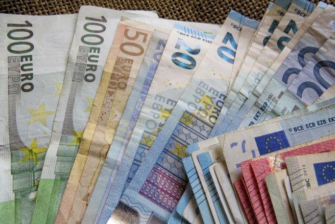 En Allemagne, plus de 100 revenus de baseont déjà été distribués. © Shutterstock