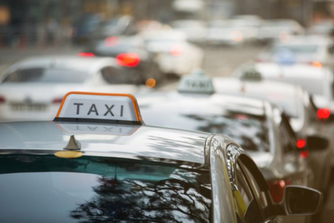 Le prix du taxi autonome de Navya oscille entre 230 000 et 250 000 €. © Shutterstock