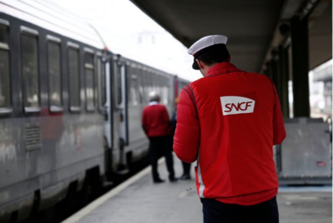 Plus d'un Français sur deux est opposé à la grève des cheminots. © Shutterstock