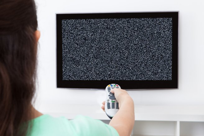 Si votre écran de télévision affiche de la neige demain, c'est normal. Il faudra rerégler votre antenne.