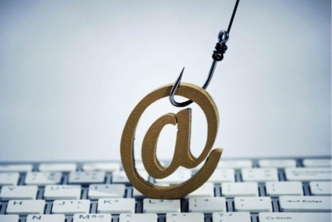 Les clients de La Banque Postale sont ciblés par une tentative de phishing. © Shutterstock