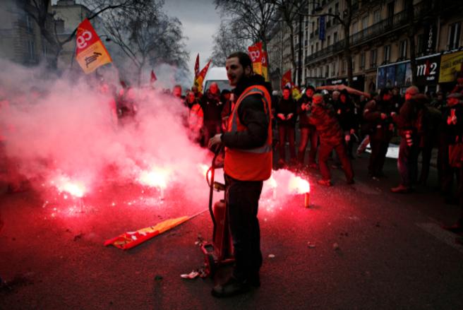 Le 28 juin prochain marquera également la fin de la grève perlée à la SNCF. © Shutterstock