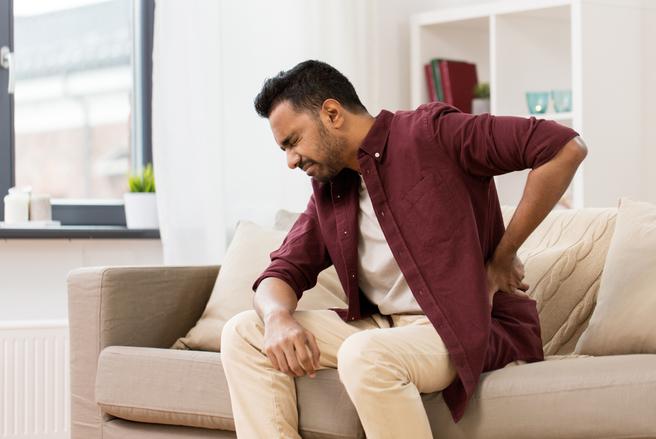 Le lumbago est à l'origine de douleurs intenses. Heureusement, il est possible de prévenir le lumbago !