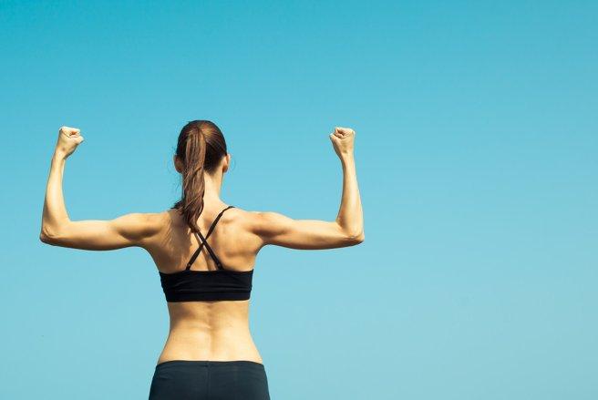 Des exercices simples pour muscler ses bras.