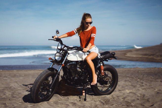 Honda a reçu trois prix lors du CES 2017 pour son concept de moto qui ne tombe pas. (c) Shutterstock