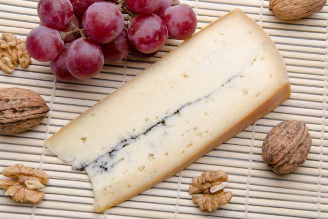 La consommation de deux types de fromages fabriqués en Franche-Comté, le morbier et le Mont d'Or, est à l'origine de cette épidémie. © Shutterstock