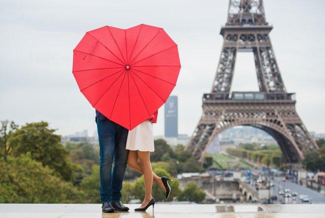 L'infidélité touche aujourd'hui de plus en plus de couples et semble facilitée par nos rythmes de vie.
