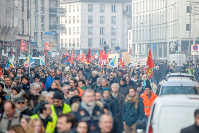 Les manifestations contre la réforme du code du Travail se multiplient en France. © Shutterstock
