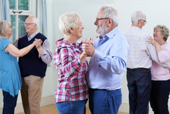 Créer du lien du vivant des personnes âgées et faire reculer le tabou entourant la mort, c'est le pari de ce club néo-zélandais.  © Shutterstock