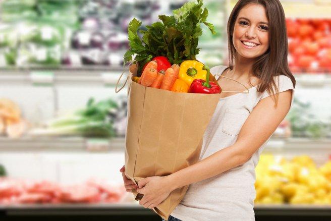 Faire ses courses au supermarché a pour principal avantage de bien choisir ses produits frais.