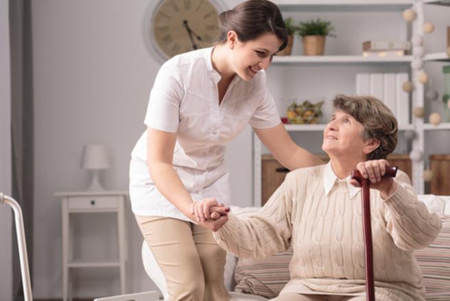 D'ici 2030, 20% d'aides à domicile en plus seront nécessaires. © Shutterstock
