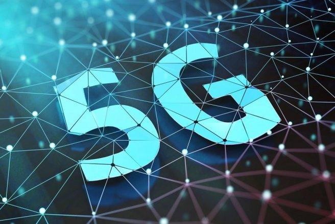 Orange veut déployer une infrastructure mobile 5G expérimentale pourtravailler sur les véhicules autonomes. © Shutterstock