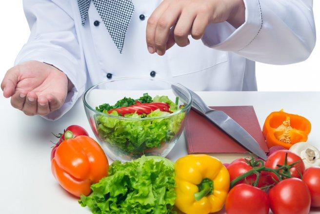 La surconsommation de sel dans l'alimentation provoquerait 1,6 million de décès prématurés par an dans le monde. (c) Shutterstock