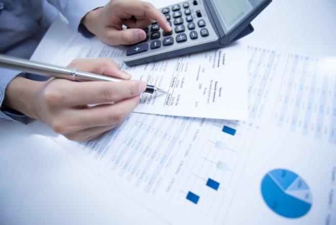 Les frais de tenue de compte peuvent atteindre jusqu'à 74 € par an. (c) Shutterstock