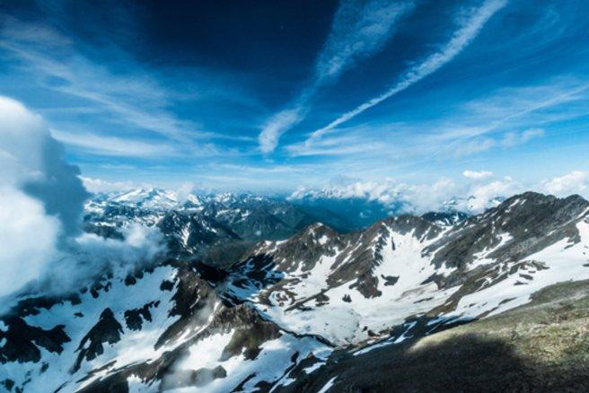 Le Pic du Midi était recouvert de neige ! © Shutterstock