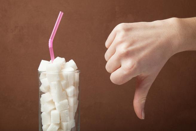 Le sucre raffiné présente des caractéristiques néfastes pour la santé, au même titre que l'alcool ou le tabac.