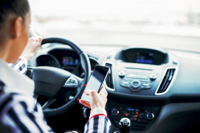 Grâce à ce système, les conducteurs imprudents sont alertés du danger imminent qu'ils courent. © Shutterstock