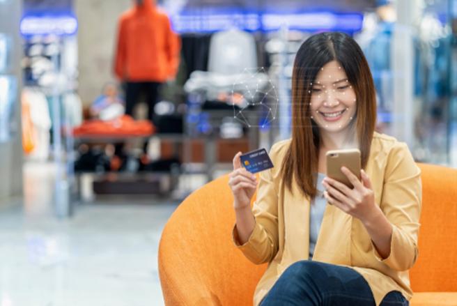La DSP2 entrera en vigueur au 1er janvier 2021 et signera la fin du SMS de confirmation. © Shutterstock