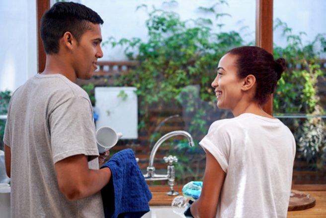 46 % des femmes souhaiteraient avoir de l'aide pour les tâches ménagères. © Shutterstock